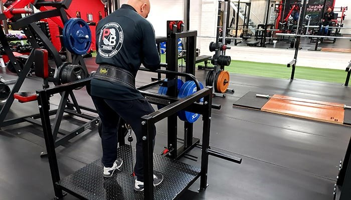 Het geheime wapen: de belt squat machine