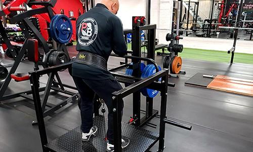 Mike-Belt-squat23