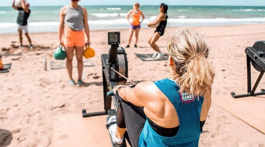 Wij geven CrossFit Beach Workouts @Sunrise Beach (aqua Best)