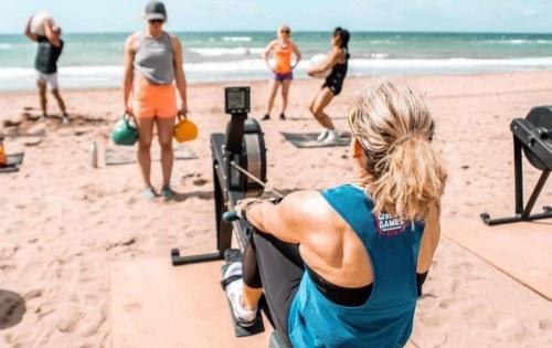 Wij geven CrossFit Beach Workouts @Sunrise Beach (aqua Best)